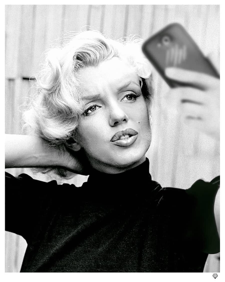 Monroe Selfie